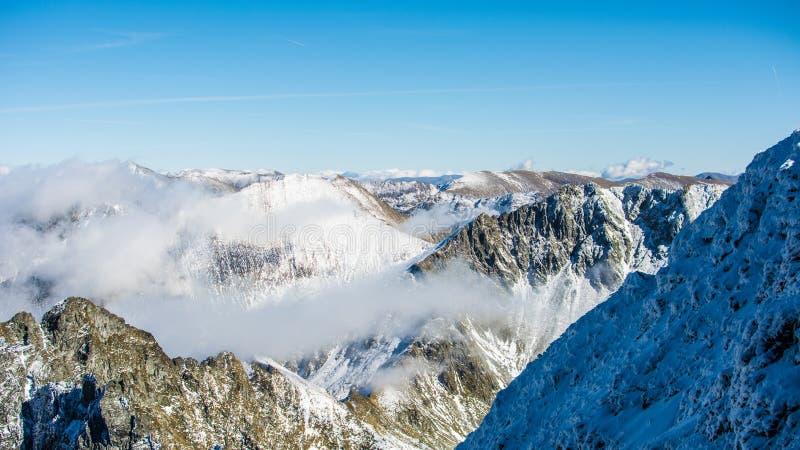 Rango de montaña imagenes de archivo