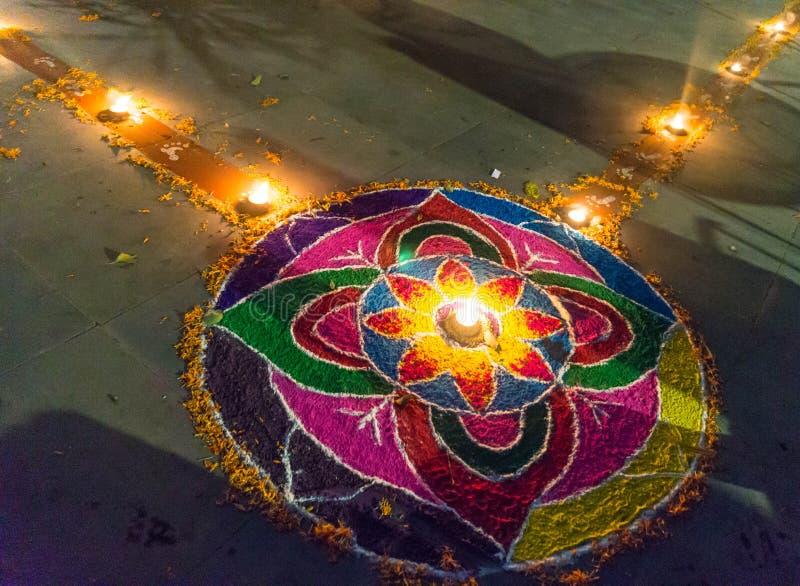 Rangoli bij het festival van Tihar Deepawali en Newari-Nieuwjaar in Kathmandy stock fotografie