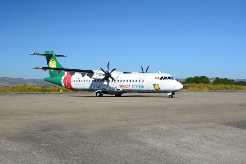 Rangun-Fluglinienflugzeug an Heho-Flughafen Kalaw-Gemeinde Taunggyi-Bezirk Shan-Staat myanmar stockfotos