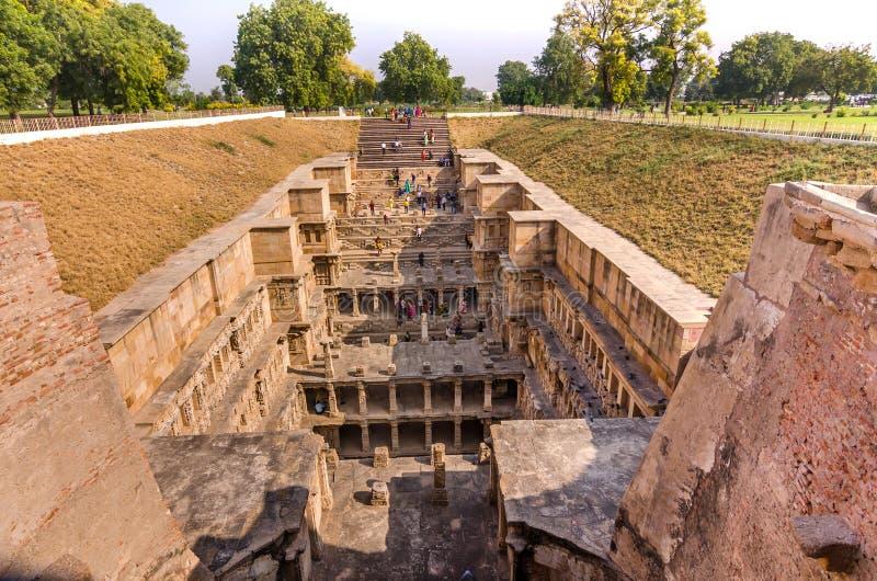 Ranien ki vav ingewikkeld geconstrueerd stepwell in Patan, Gujarat royalty-vrije stock foto