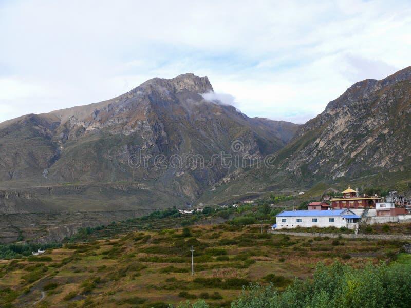 Ranipauwa,在雨,尼泊尔以后的Muktinath风景 库存图片