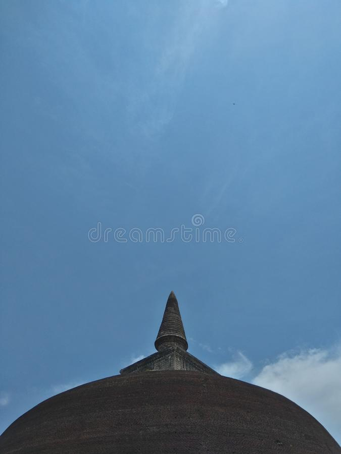 Rankoth Vehera est un stupa situ? dans la ville antique de Polonnaruwa dans Sri Lanka photographie stock libre de droits