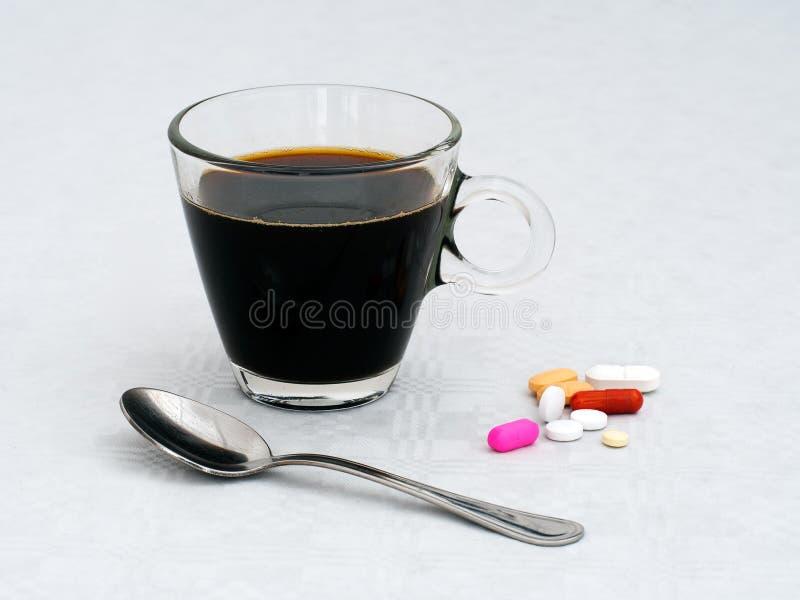 Ranku śniadaniowy lekarstwo, medycyna jabłczana pojęcia zdrowie miara taśmy zdjęcia royalty free