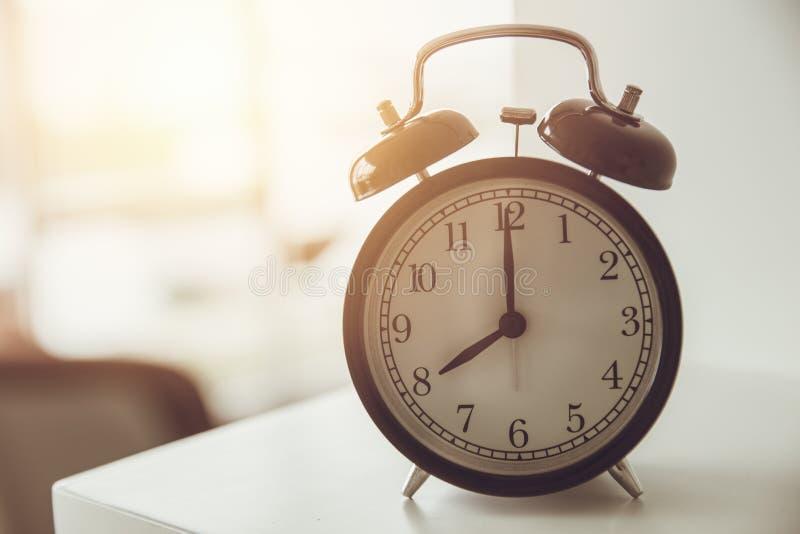 ranku dzwonu alarmowego zegarowy czas wakeup obrazy stock