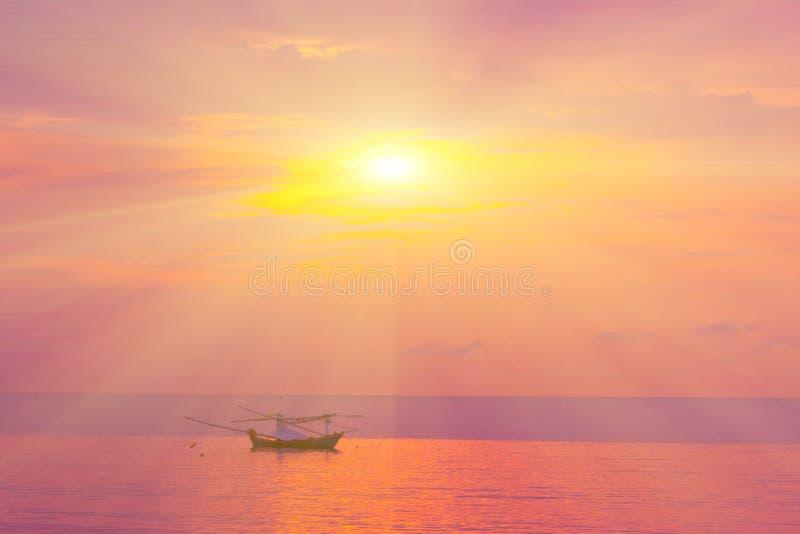 Ranku słońca światło - pomarańczowa gorąca strefa zdjęcia stock