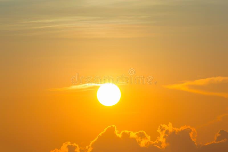 Ranku słońca światło - pomarańczowa gorąca strefa obraz stock