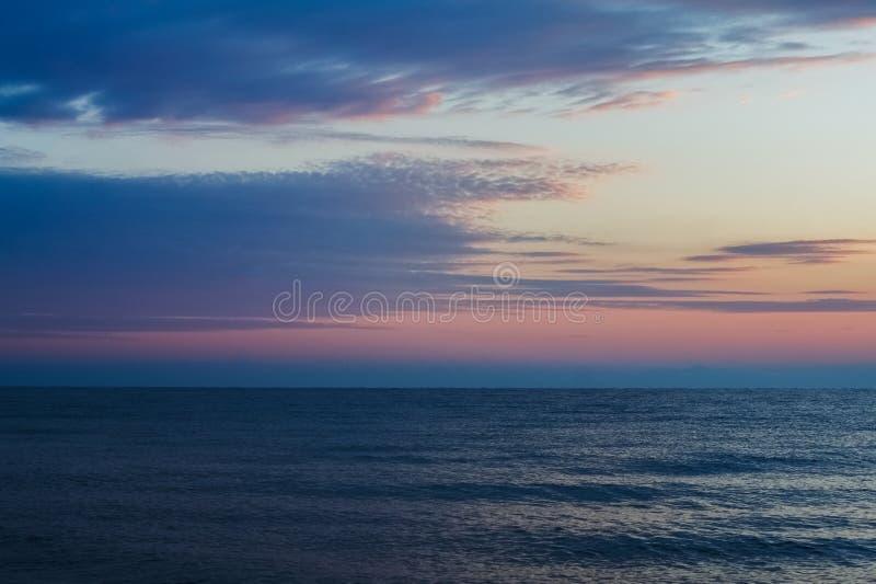 Ranku wschód słońca na horyzoncie morze egejskie zdjęcie stock