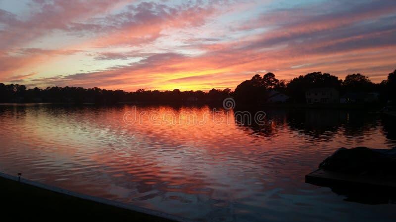 Ranku wschodu słońca lakelife piękny grże zdjęcie royalty free