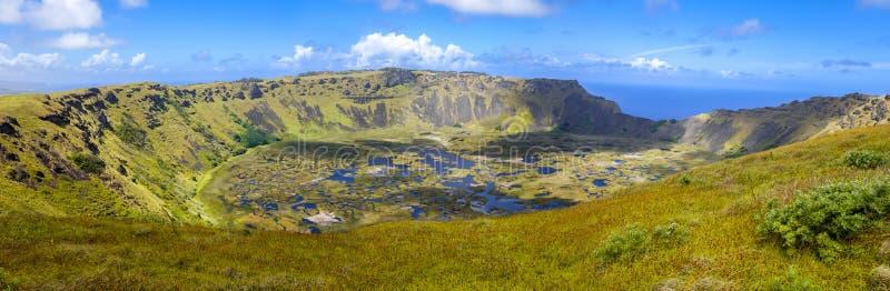 Rano Kau vulkankrater i panoramautsikt för påskö arkivfoton
