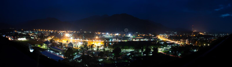 Ranong Таиланд на ноче, панораме стоковое изображение rf