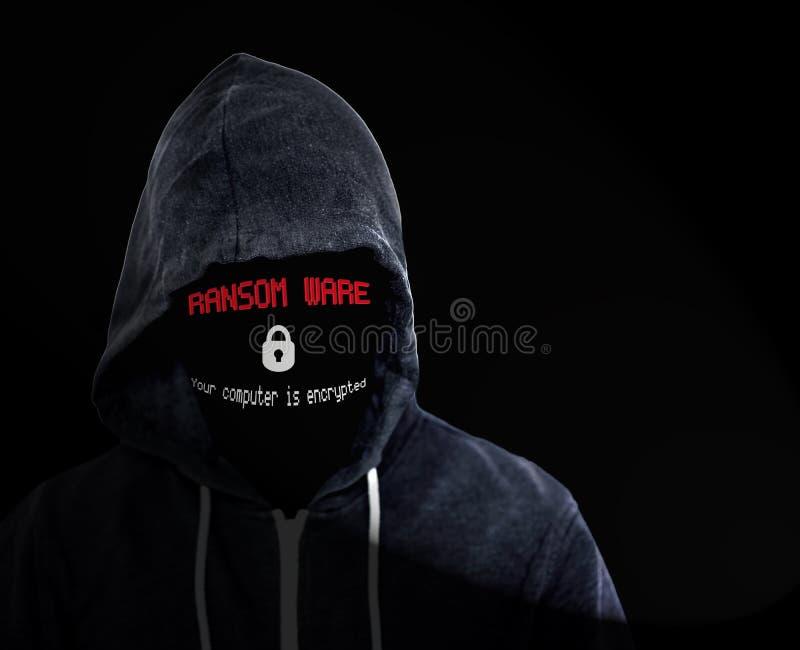 Ransomware Cyberbrottsling i svart med huva överkant arkivfoto