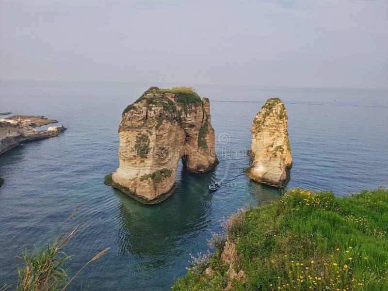 Raouche贝鲁特黎巴嫩岩石海滩看见 免版税库存照片