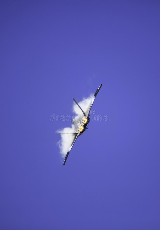 Rapace F-22 durante il volo sopra l'Hawai immagini stock libere da diritti
