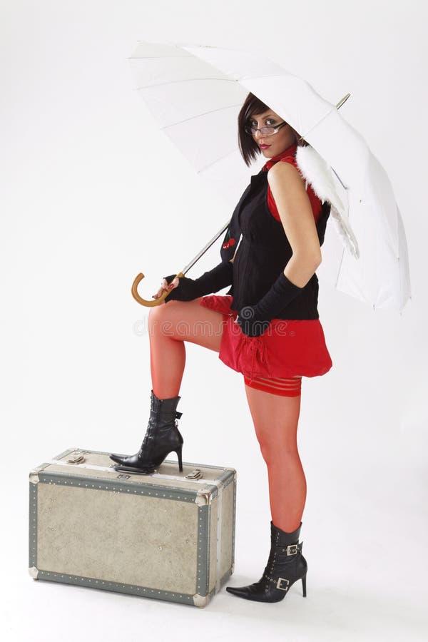 Rapariga com guarda-chuva branco imagem de stock royalty free