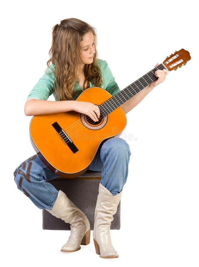 Rapariga com guitarra. fotos de stock