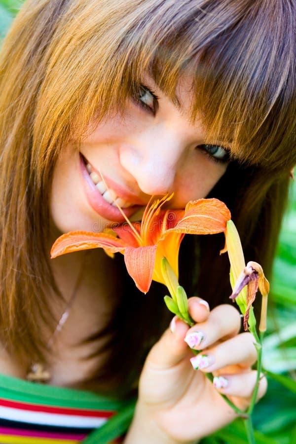 Rapariga do sorriso do retrato fotos de stock royalty free