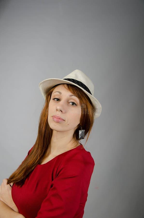 Rapariga em um vestido vermelho imagens de stock royalty free