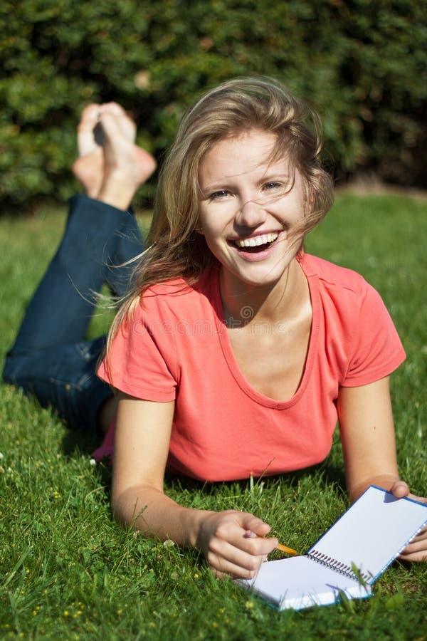 Rapariga feliz foto de stock