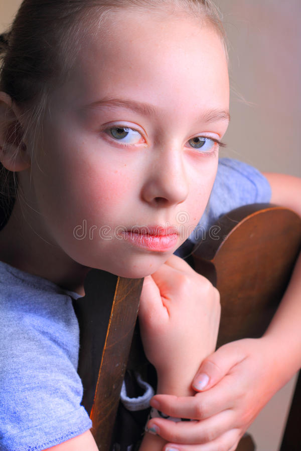 Rapariga irritada foto de stock