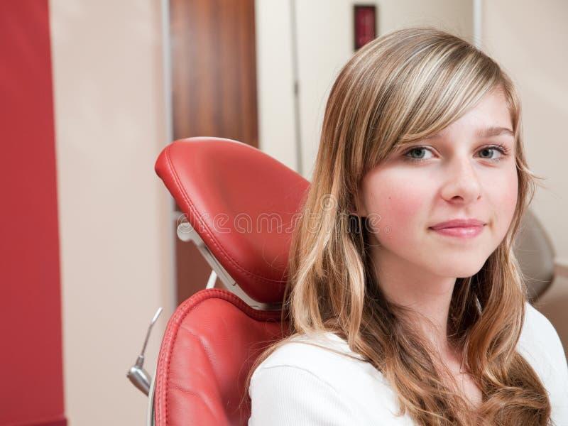Rapariga no dentista fotografia de stock royalty free