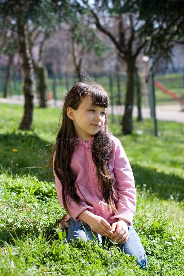 Rapariga no parque fotos de stock royalty free
