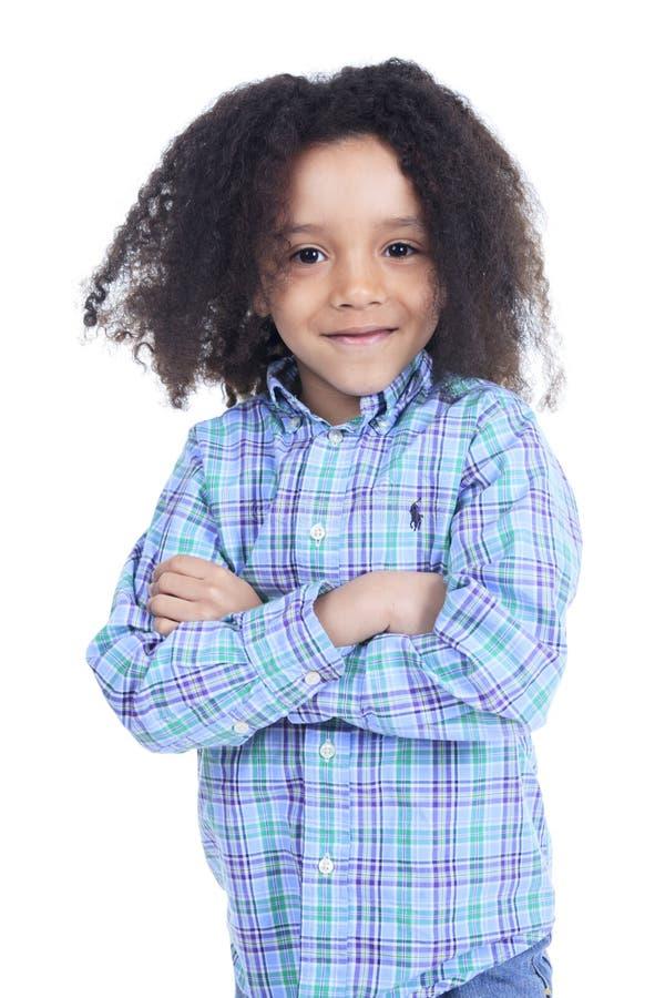 Rapaz pequeno africano adorável com bonito imagens de stock royalty free