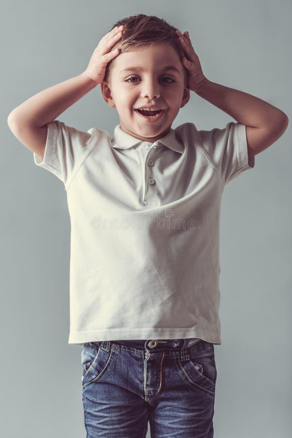 Rapaz pequeno bonito foto de stock