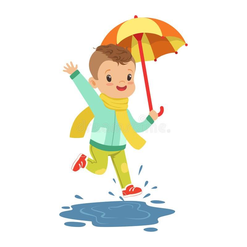 Rapaz pequeno bonito que guarda o guarda-chuva colorido que joga na ilustração do vetor dos desenhos animados da chuva ilustração stock