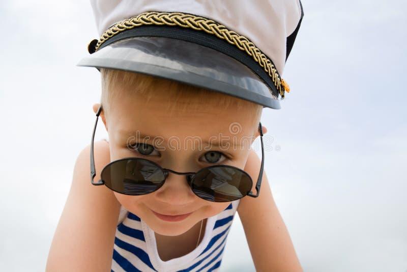 Rapaz pequeno do navio imagem de stock