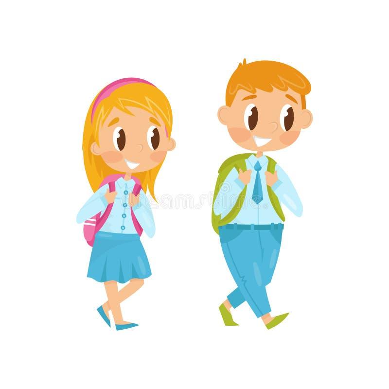 Rapaz pequeno e menina que andam no estudo Primeiro dia de escola Crianças na roupa formal com as trouxas em ombros Vetor liso ilustração do vetor