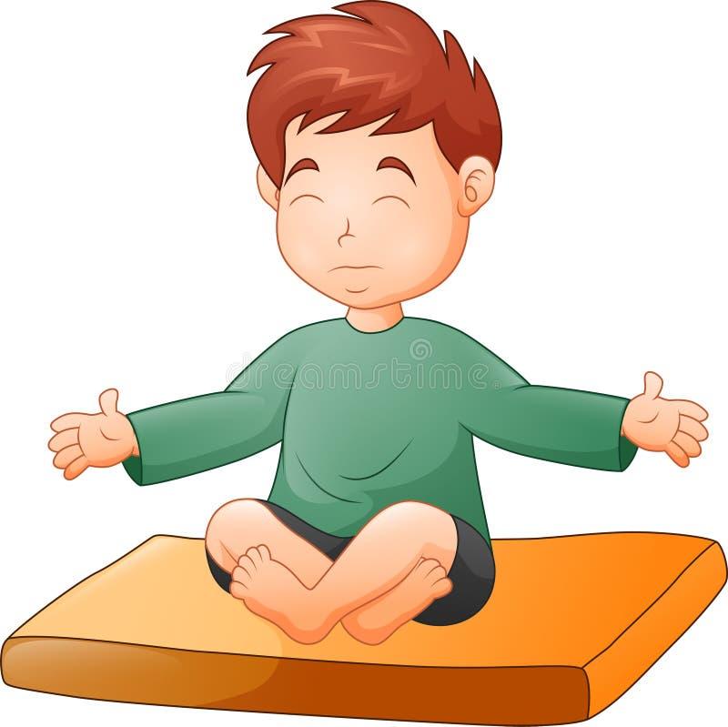Rapaz pequeno que faz a pose da ioga no fundo branco ilustração stock