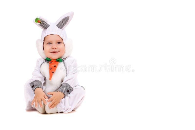 Rapaz pequeno vestido como o coelho fotografia de stock
