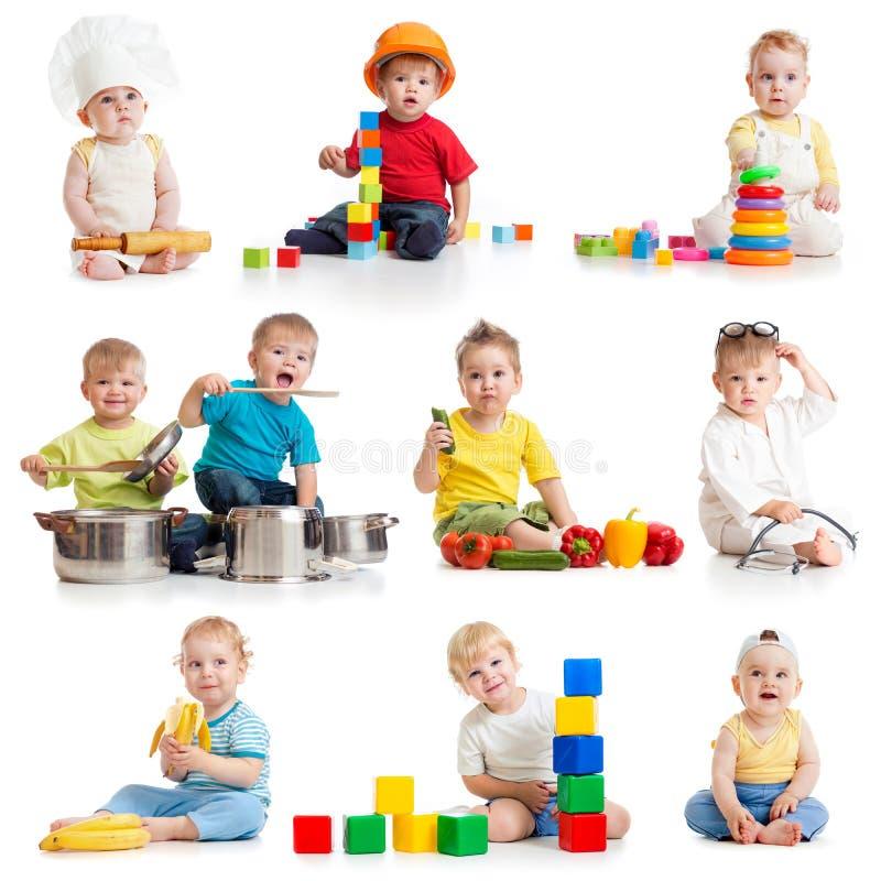 Rapazes pequenos 1-2 anos velho isolado fotografia de stock royalty free