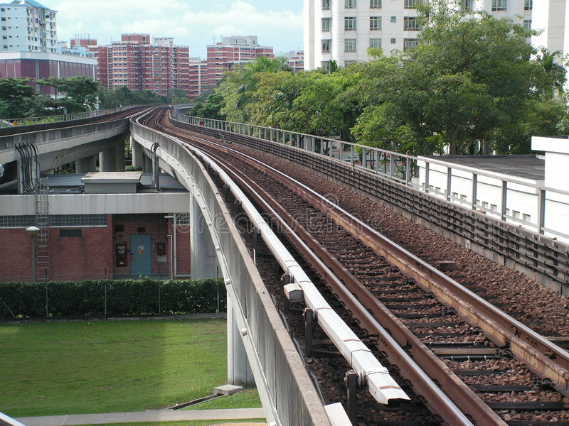 Rapid transit train tracks