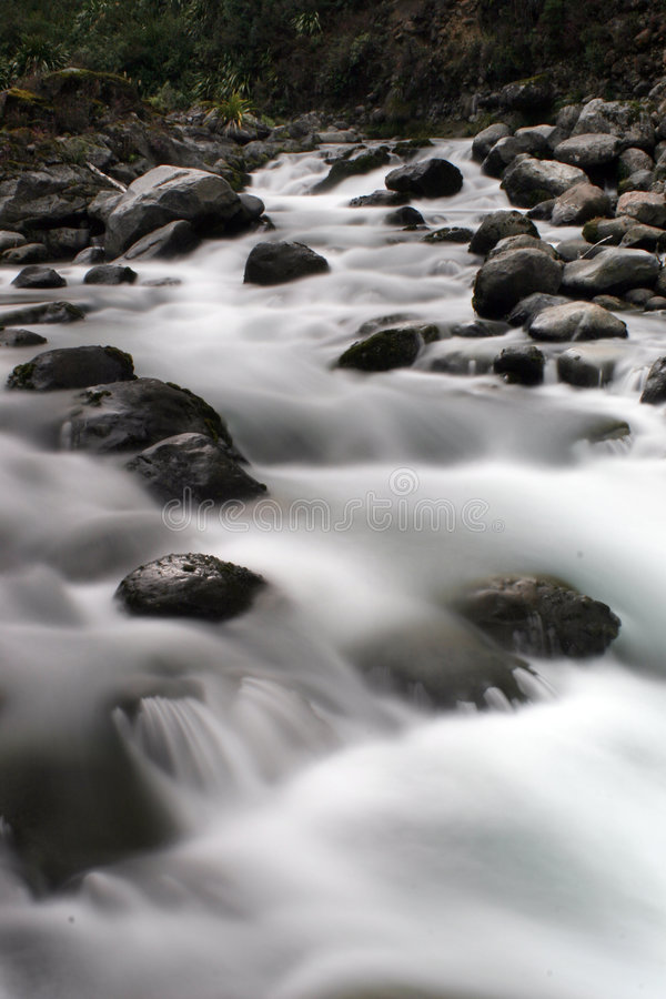 Rapids de l'eau blanche photo libre de droits