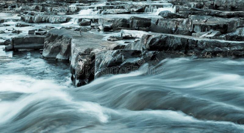 Rapids di inverno fotografie stock libere da diritti