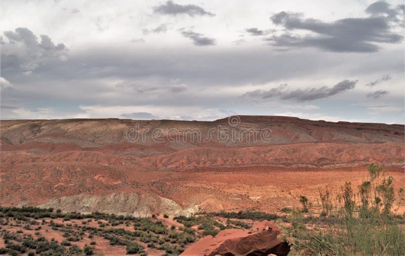 Raplee Anticline和在墨西哥帽附近的沙漠平原 图库摄影