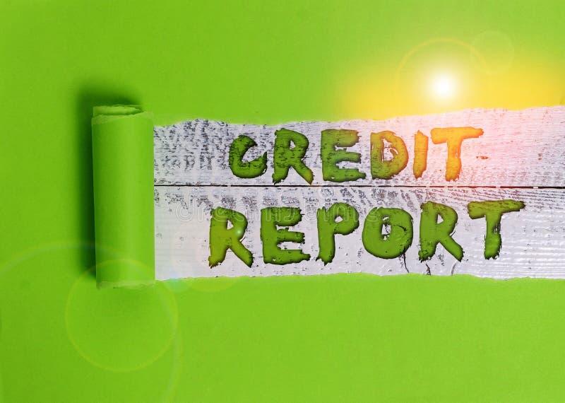 Raport korygujący tekstu pisanego wyrazem Word Koncepcja biznesowa dotycząca rachunku zysków i strat oraz historii punktów bazowy zdjęcie stock