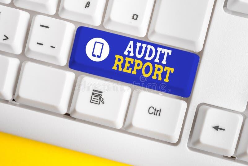 Rapport d'audit de texte manuscrit. Concept signifiant Évaluation de l'état financier complet d'une entreprise Actifs PPC blanc photos stock