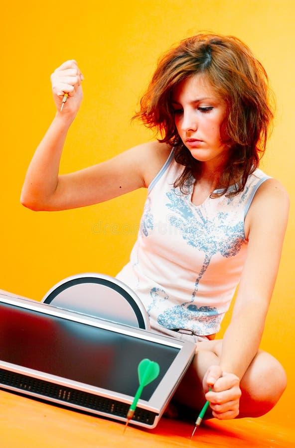Rapport de haine d'amour avec l'ordinateur. images stock