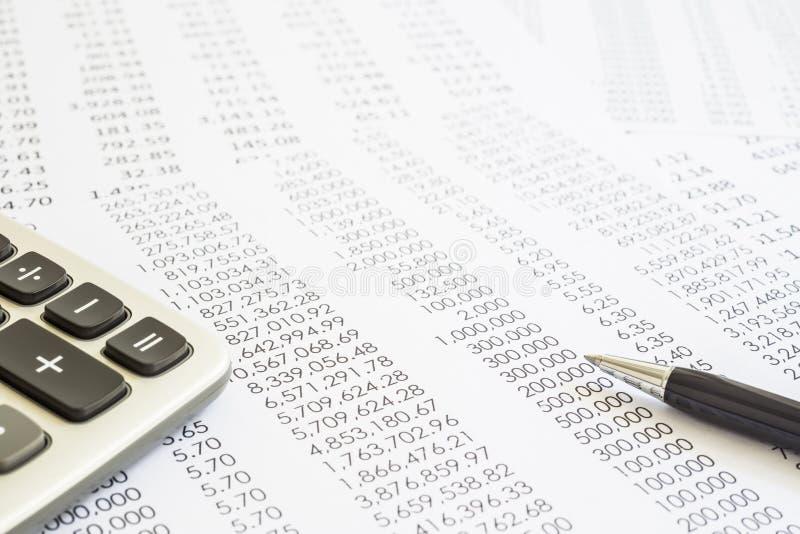 Rapports de contrôle et de comptabilité des relevés des compte financier  photographie stock