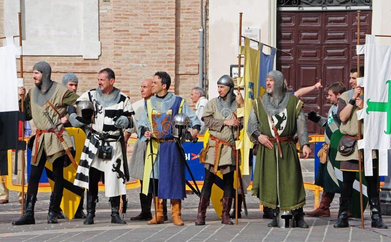 Rappresentazione medievale dei soldati immagine stock libera da diritti