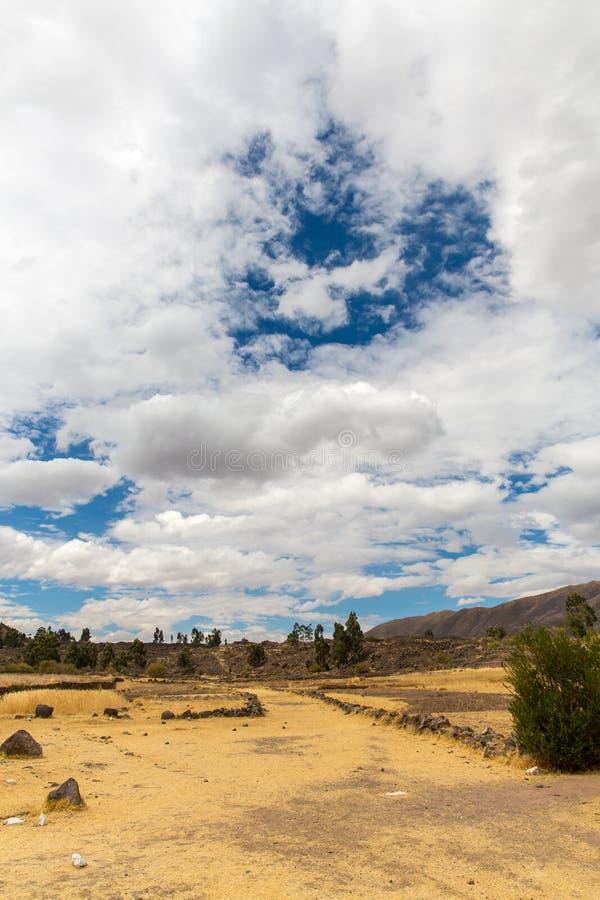 Raqchi arkeologisk plats för Inca i Cusco, Peru arkivfoton