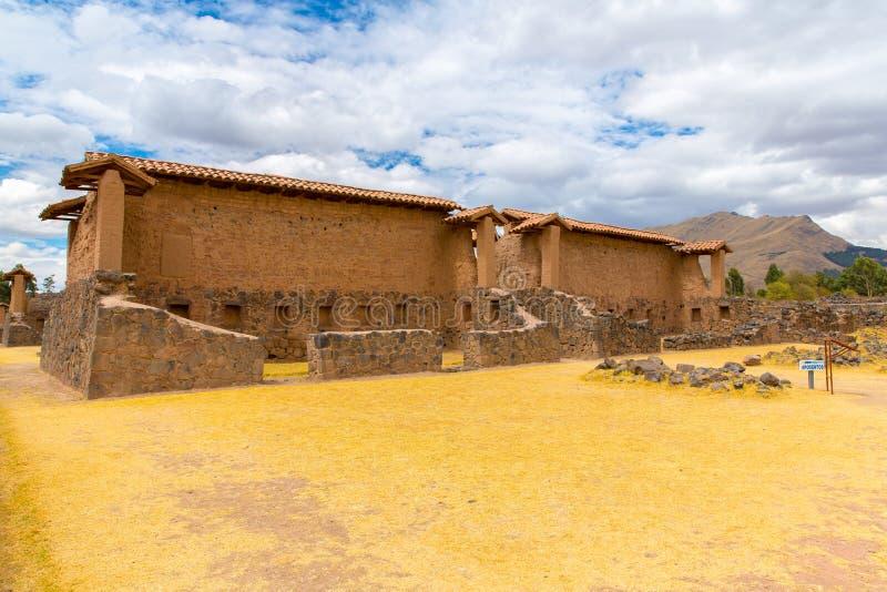 Raqchi arkeologisk plats för Inca i Cusco, Peru (fördärva av templet av Wiracocha), på Chacha, Amerika royaltyfria foton