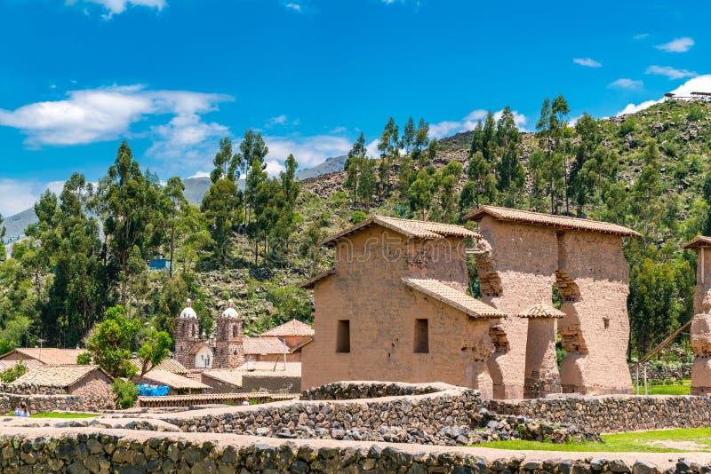 Raqchi en arkeologisk plats för Inca i den Cusco regionen Peru arkivbild