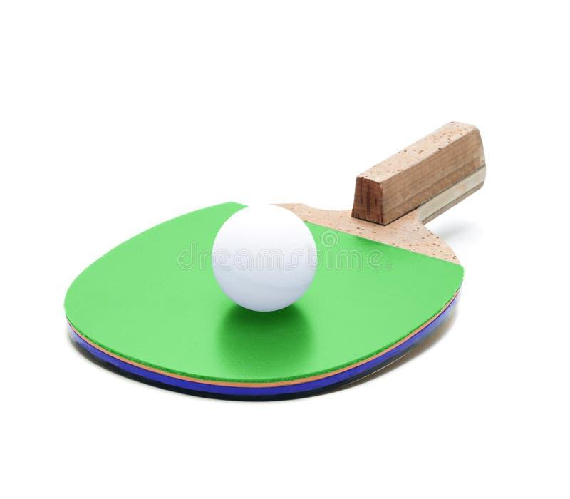 Raquette et boule de ping-pong d'isolement images stock