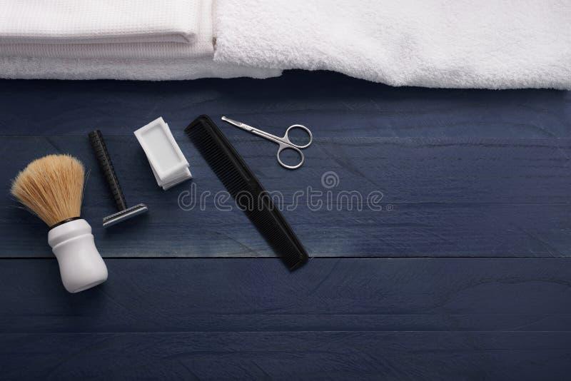 Download Rasage De La Vue Supérieure D'accessoires Photo stock - Image du balai, masculinité: 77152024