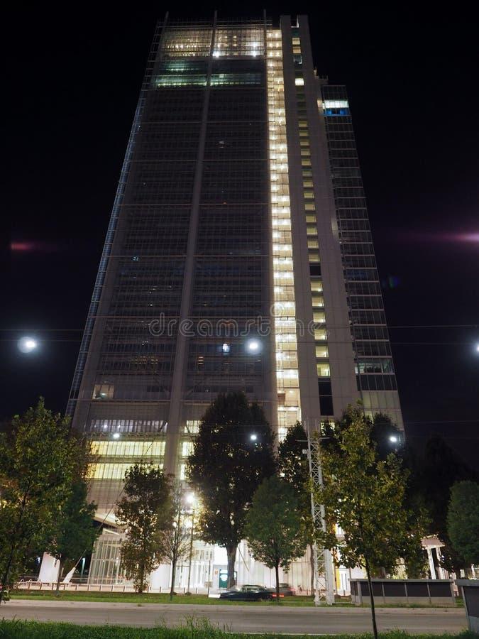 Rascacielos de Intesa San Paolo en Turín imágenes de archivo libres de regalías