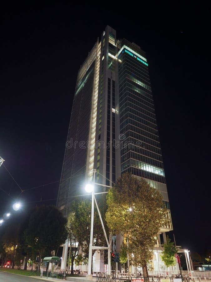 Rascacielos de Intesa San Paolo en Turín foto de archivo libre de regalías