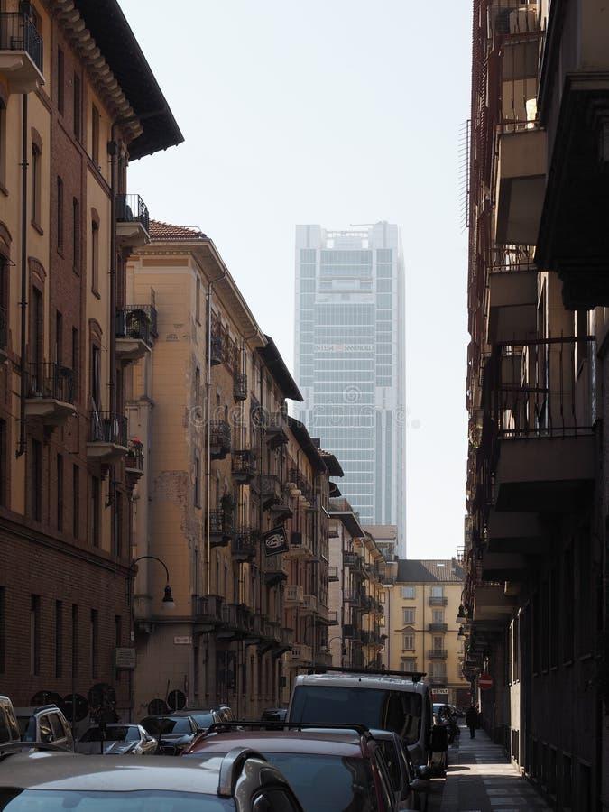 Rascacielos de Intesa San Paolo en Turín fotos de archivo libres de regalías